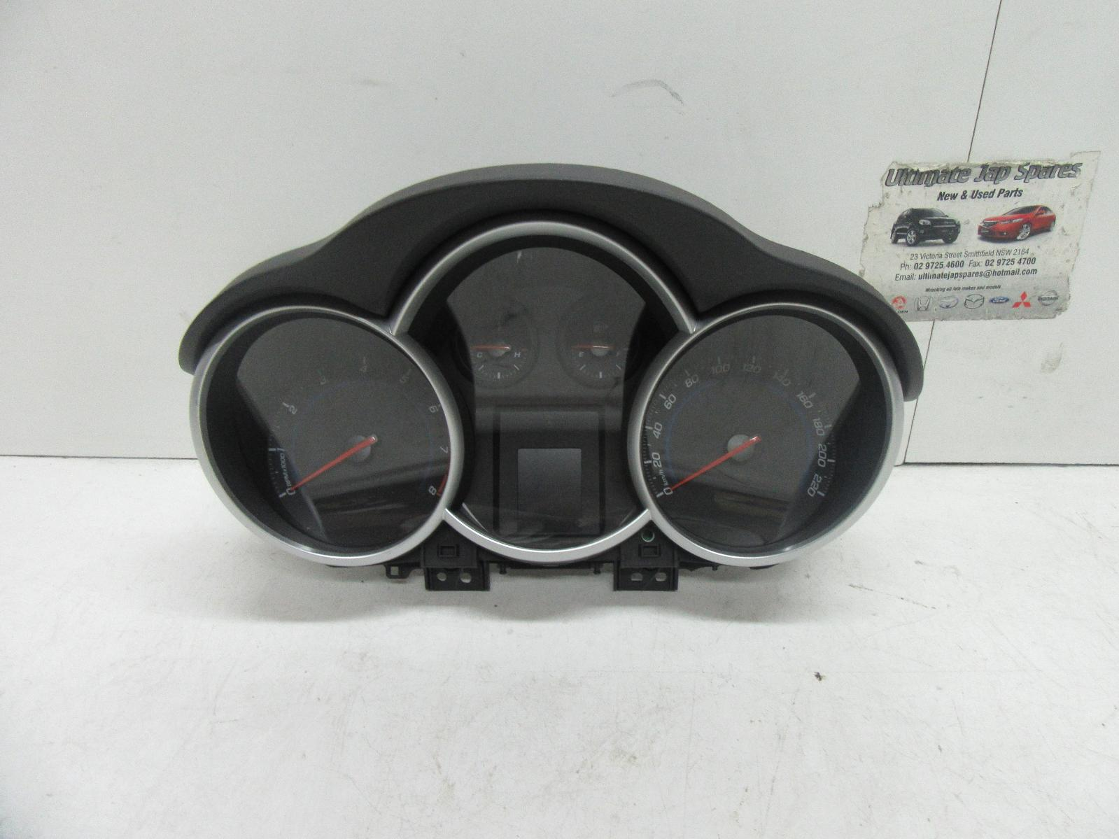 Holden Cruze Instrument Cluster Petrol Auto Cd Equipe
